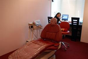 標準感染予防策 個室診療 新型インフルエンザA 飛沫感染 空気感染 交差感染 個室診療 東京職人歯医者_e0004468_0112497.jpg