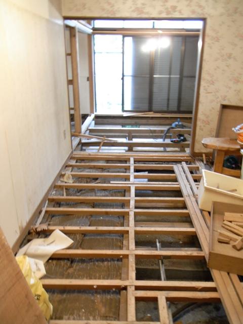 1階・スタジオ大改装 ―破壊―_b0170419_21571166.jpg