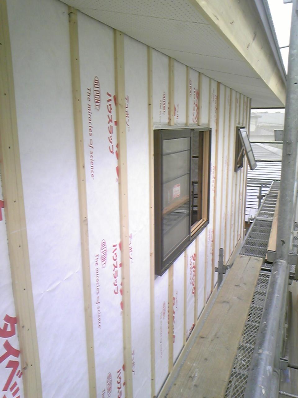 外壁下地工事と外壁張り工事_f0150893_1833041.jpg