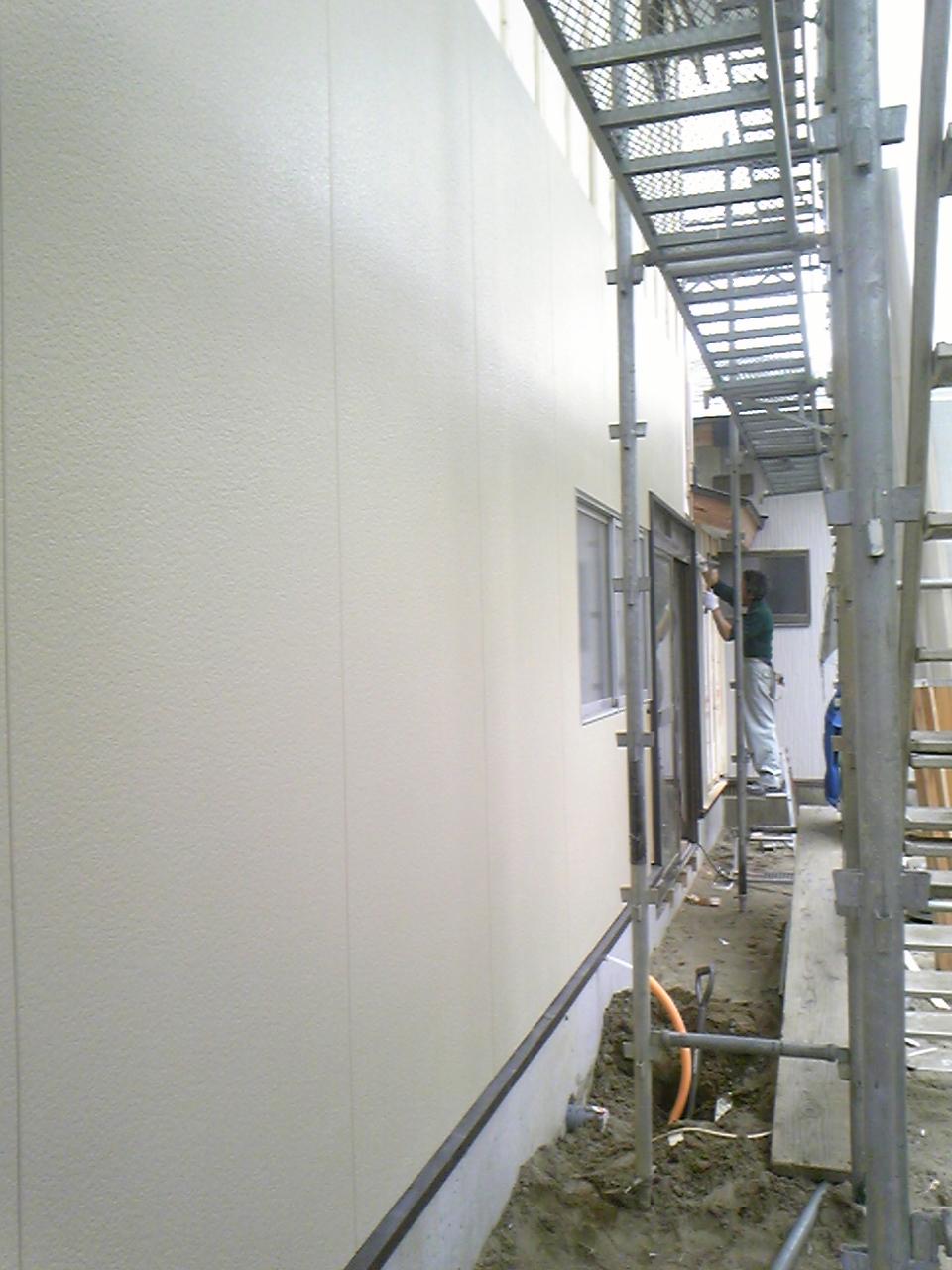 外壁下地工事と外壁張り工事_f0150893_184774.jpg