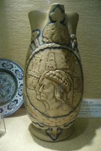 アールヌーヴォーの陶器博物館~ボルゴ・サンロレンツォ_f0106597_16422418.jpg