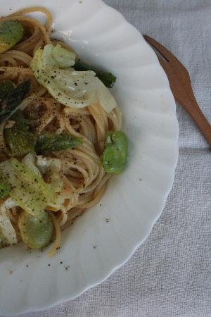 初夏の野菜たっぷりパスタ・・・緑鮮やかに☆_f0141419_622365.jpg
