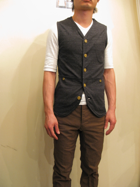 新作『Cut & Sew Made Hunting Vest』_e0142928_21285388.jpg