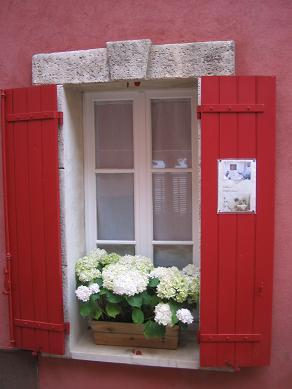 プロヴァンスの窓辺とお花_f0150936_2104986.jpg