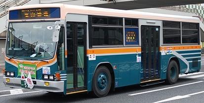 サンデン交通のキュービックバス 4題_e0030537_034445.jpg