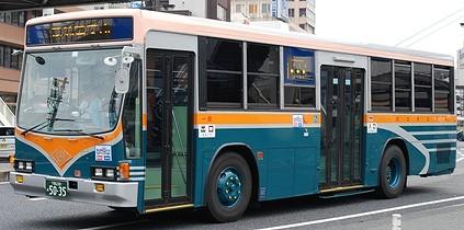 サンデン交通のキュービックバス 4題_e0030537_0355697.jpg