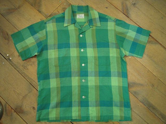 イケてるチェックな半袖シャツ。_d0121303_11452344.jpg