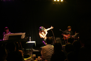 鮎川麻弥Acoustic Live! set list and comment ♪_c0118528_149111.jpg