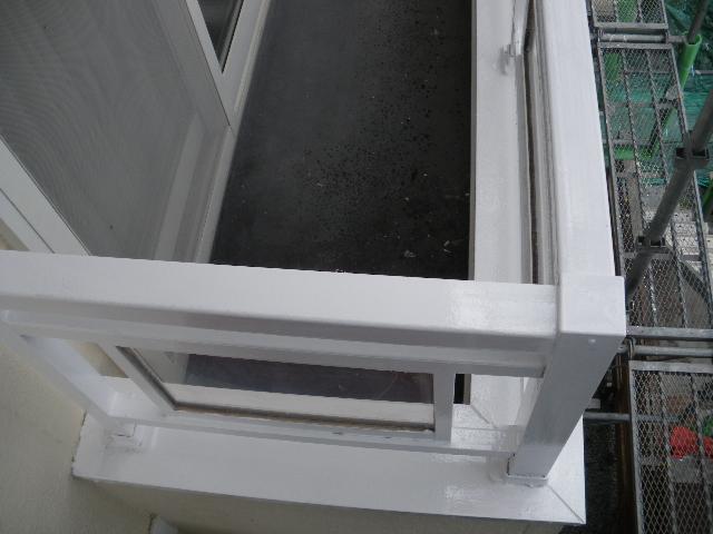 屋根塗装工事5日目です。_c0186441_1455915.jpg