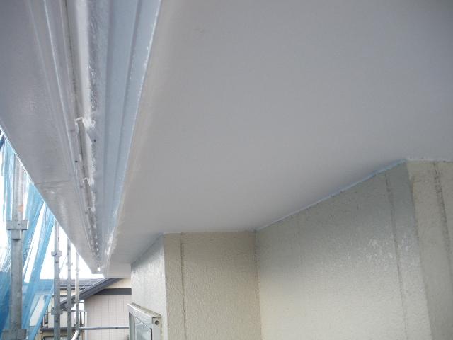 屋根塗装工事5日目です。_c0186441_1461455.jpg