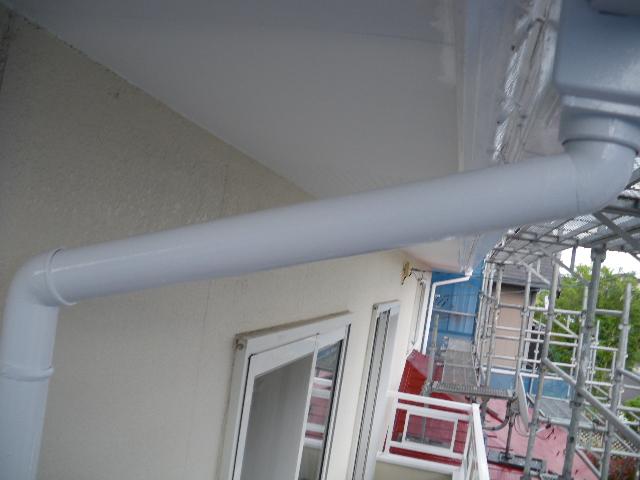 屋根塗装工事5日目です。_c0186441_1462316.jpg