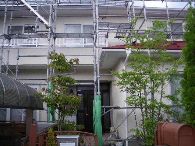 屋根塗装工事5日目です。_c0186441_149375.jpg
