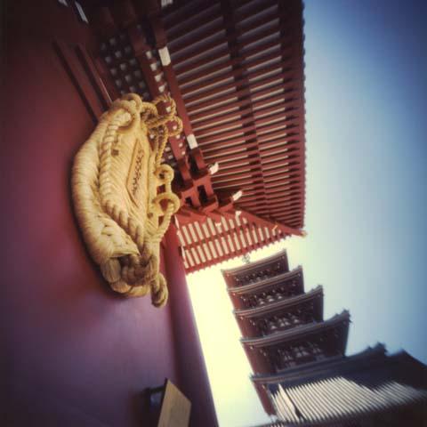 浅草寺の大草鞋 第9回世界ピンホール写真デー Pinhole Photography_f0117059_201042.jpg