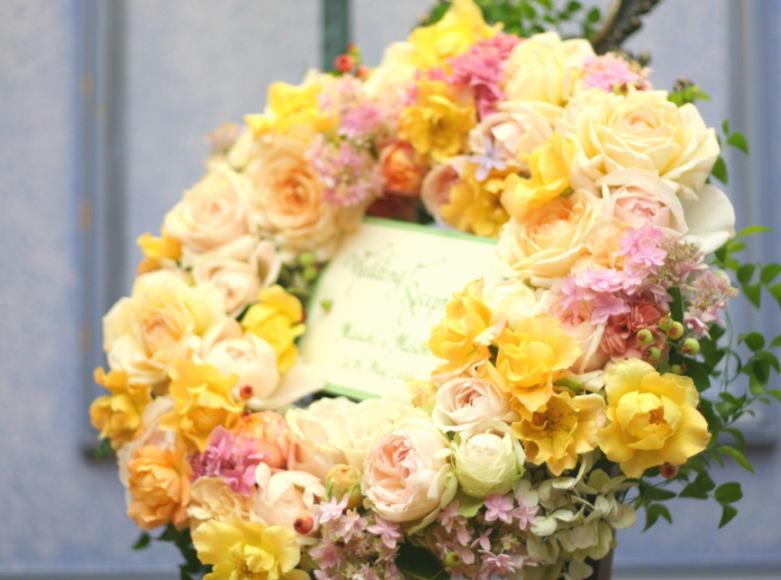 花でつくるウエルカムリース _a0042928_22591630.jpg