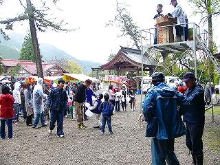 護山神社例祭:その2_b0123970_1373810.jpg