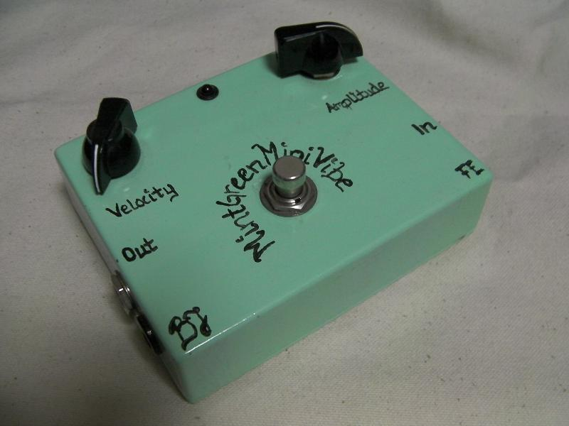 "BJF Electronics""Mint Green Mini Vibe""_e0052576_3544876.jpg"