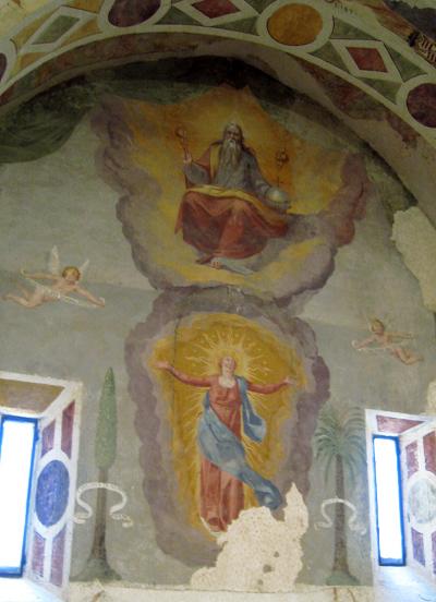 オクレ5. 立派な礼拝堂もあります♪_f0205783_18311582.jpg
