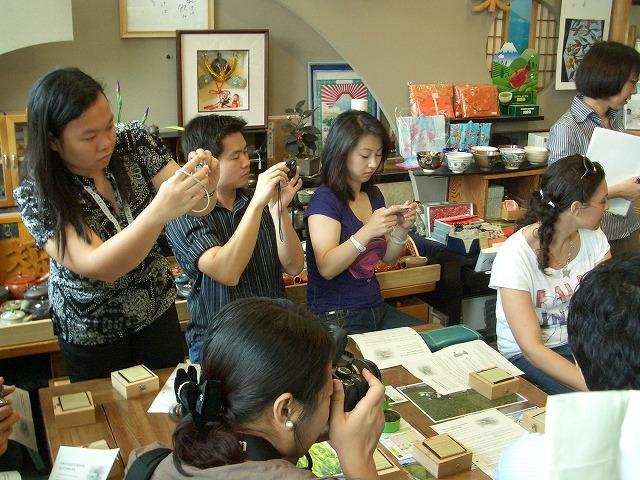 富士市の「まちの駅」を、アジアの若手知識人が視察_f0141310_23262513.jpg