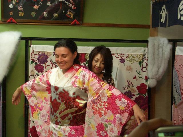 富士市の「まちの駅」を、アジアの若手知識人が視察_f0141310_23284337.jpg