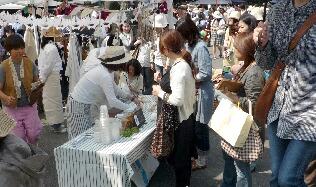 福岡・護国神社・蚤の市_f0121167_17255941.jpg