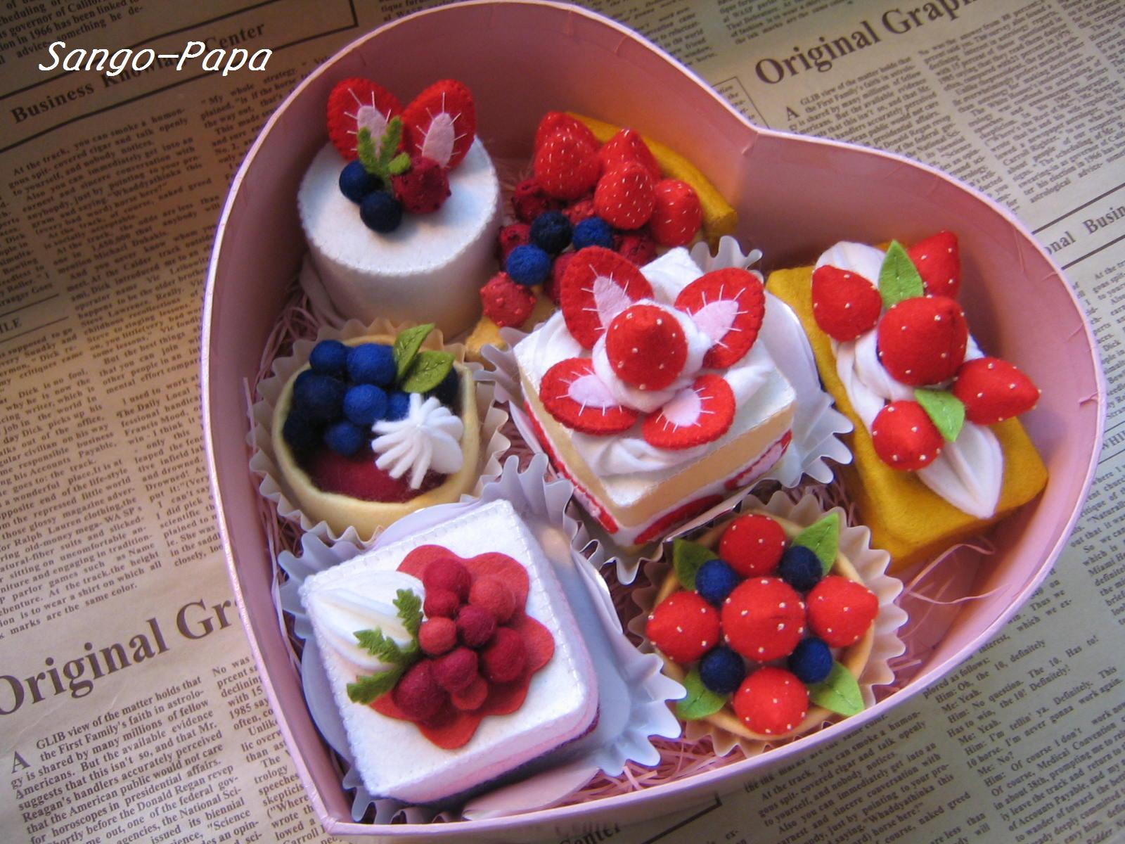 春のたくさんのイチゴたち_b0187479_1152454.jpg