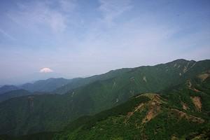 表丹沢と富士山 - ツツジは見られなかったけど・・・_c0171849_1150613.jpg