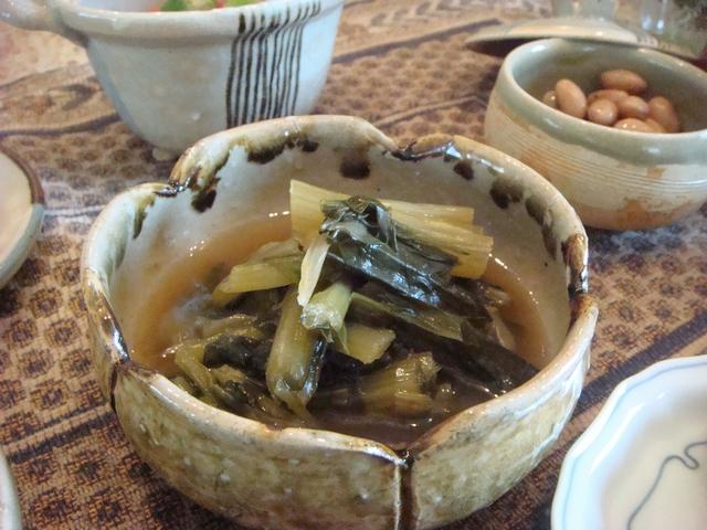 三つ葉とミントがある、朝食は香りの世界、_d0100880_1004917.jpg