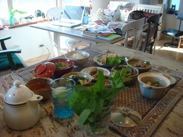 三つ葉とミントがある、朝食は香りの世界、_d0100880_10122966.jpg