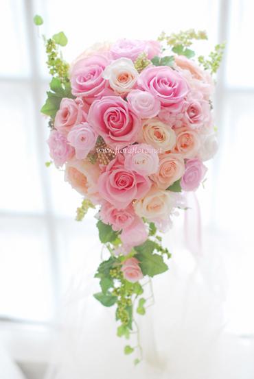 プリザーブド* バラの花のグラデーションキャスケードブーケ & ブートニア_a0115684_13261447.jpg