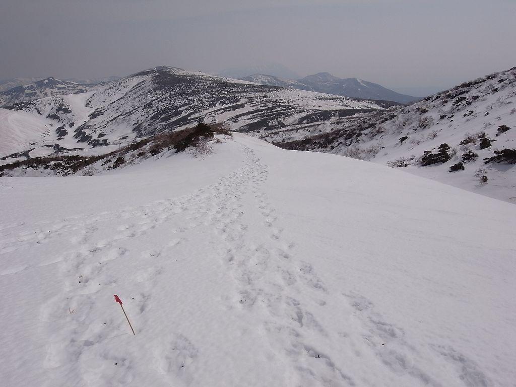 5月2日、秋田駒ヶ岳の登り-写真編-_f0138096_10394880.jpg