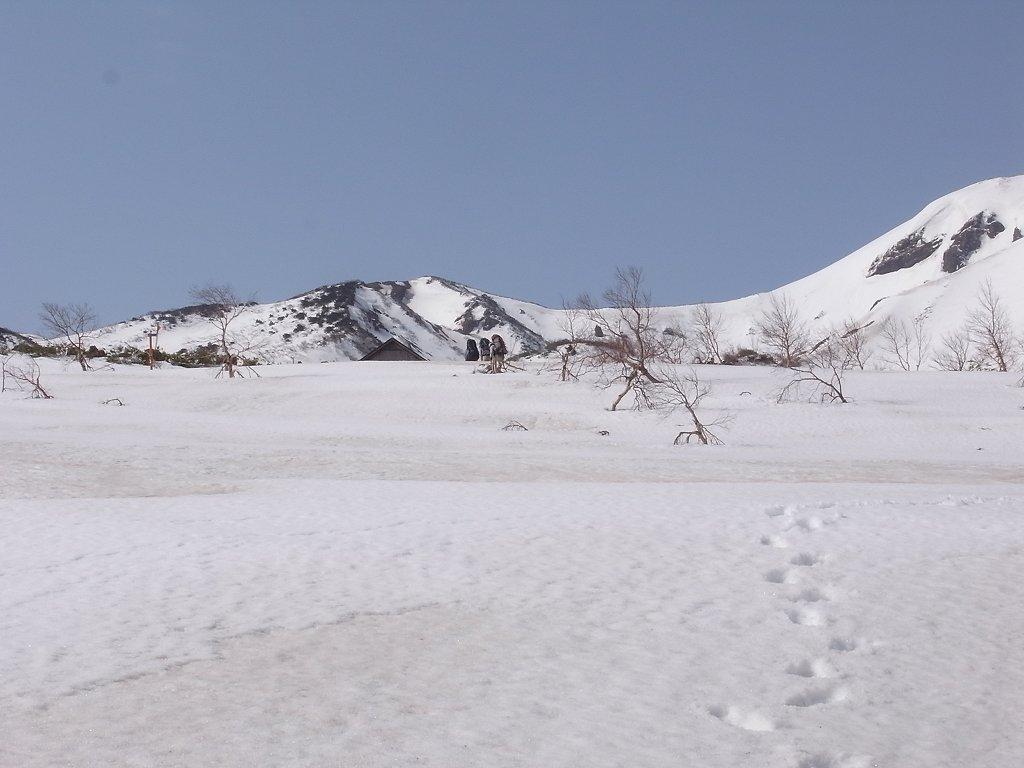5月2日、秋田駒ヶ岳の登り-写真編-_f0138096_1039732.jpg