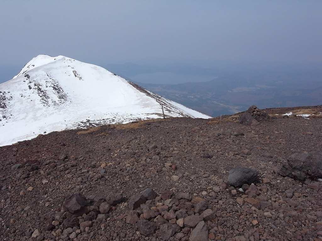 5月2日、秋田駒ヶ岳の登り-写真編-_f0138096_10403461.jpg