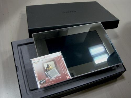 SONYの新しいデジタルフォトフレーム  DPF-X1000_b0028732_0355710.jpg