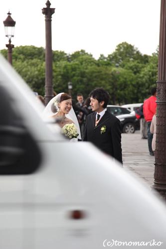 花嫁さんの信号待ち_c0024345_6243887.jpg