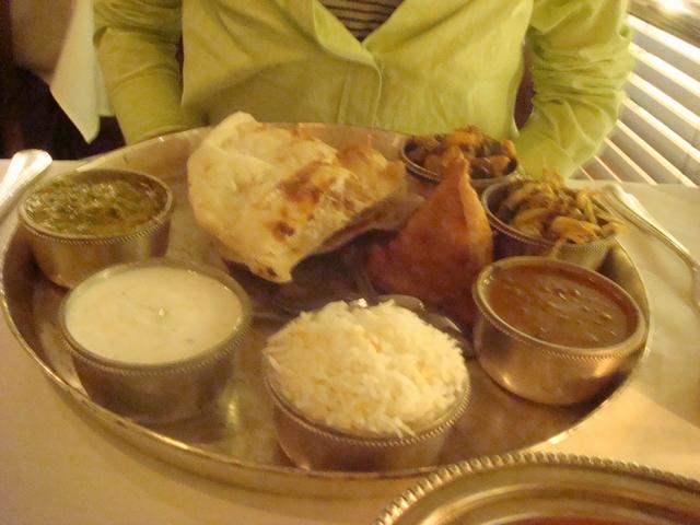 遊んだあとの食事はインド料理、_d0100880_22161545.jpg