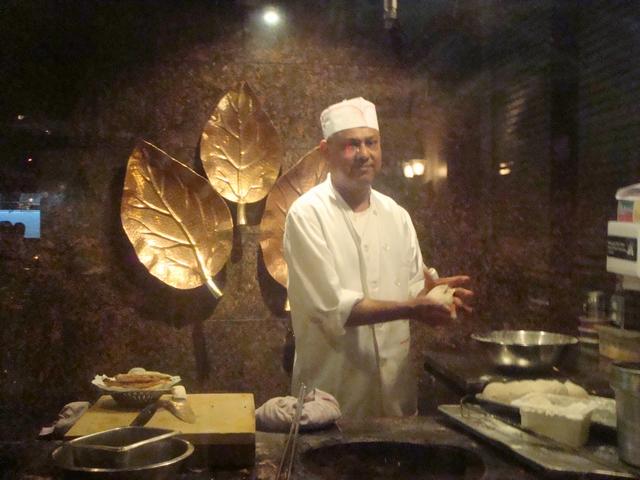 遊んだあとの食事はインド料理、_d0100880_229493.jpg