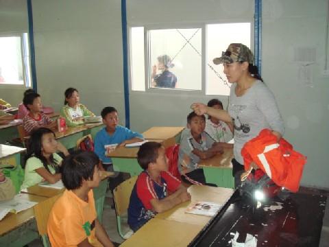 08年四川大地震被災地調査報告 11 茂県鳳儀鎮学校_c0162425_2120312.jpg