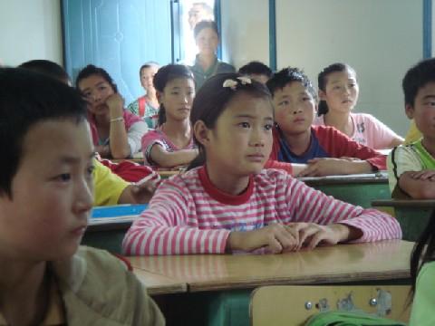 08年四川大地震被災地調査報告 11 茂県鳳儀鎮学校_c0162425_21205220.jpg