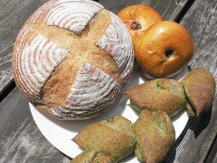 おうちパン屋さんのパンを楽しむ晩餐。_f0178285_2332792.jpg