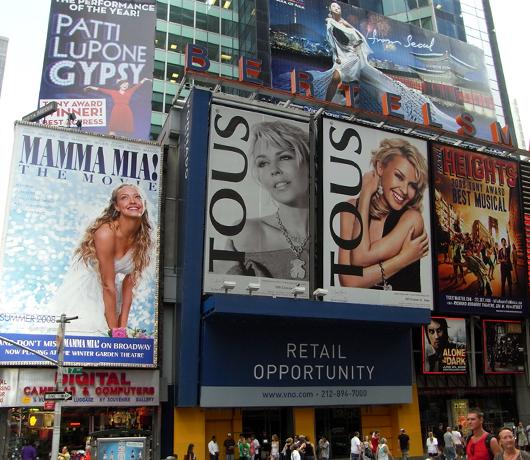 ニューヨークの看板やポスター_b0007805_14493764.jpg