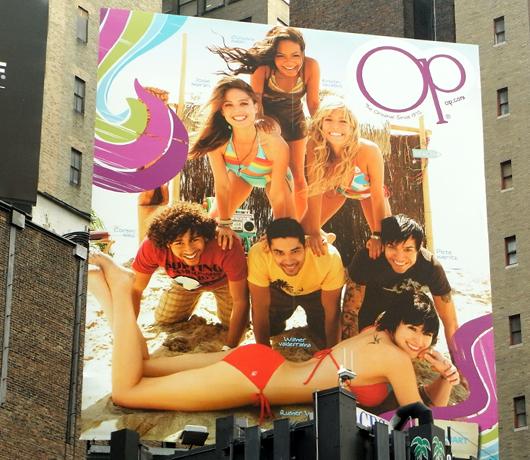 ニューヨークの看板やポスター_b0007805_14521567.jpg