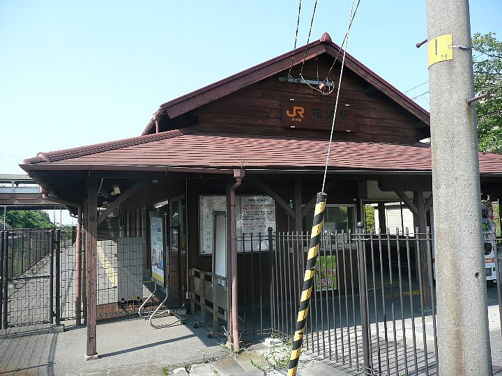 JR亀崎駅舎_c0112559_22352869.jpg