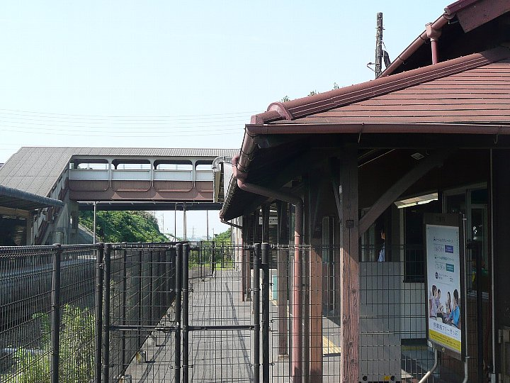 JR亀崎駅舎_c0112559_2235732.jpg