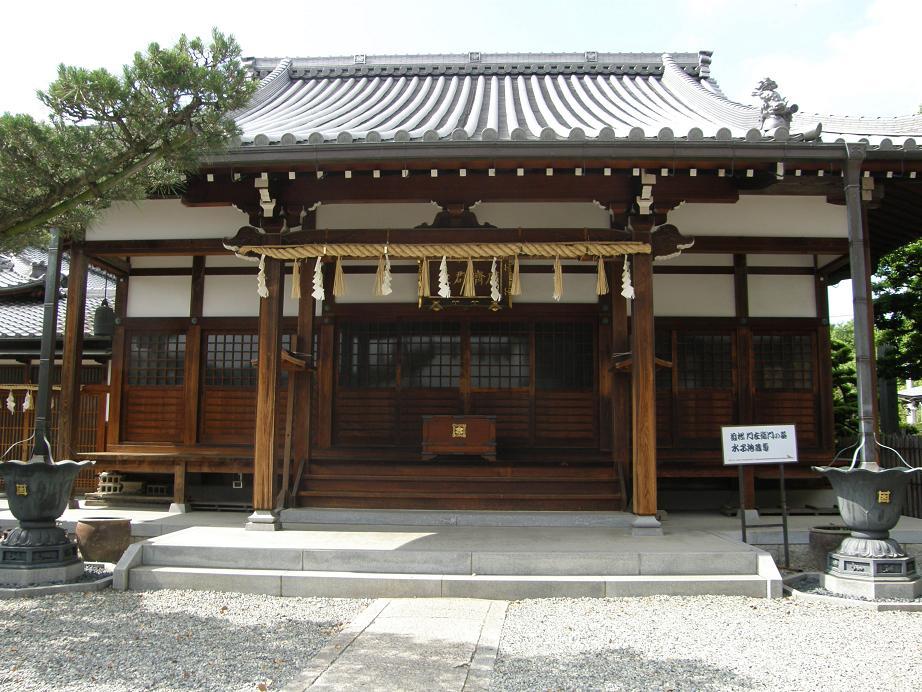 神社を訊ねて その7 近松ぶらり歩き    JR塚口駅_c0118393_1020392.jpg