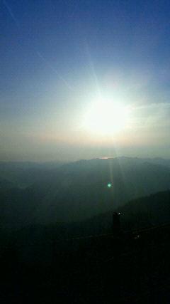 今朝は久しぶりに日の出が見えました。_c0089831_812257.jpg