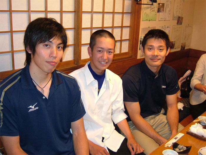 越川選手とマーチと津曲選手_c0110051_875828.jpg