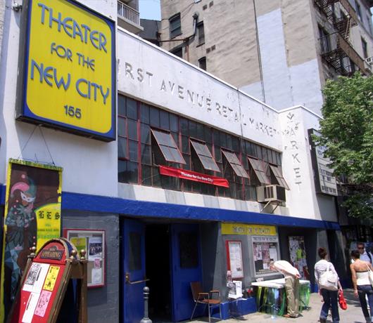 地域コミュニティを盛り上げる老舗劇場 Theater for the New City_b0007805_122794.jpg