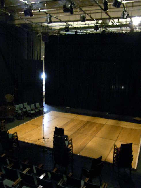 地域コミュニティを盛り上げる老舗劇場 Theater for the New City_b0007805_12332657.jpg