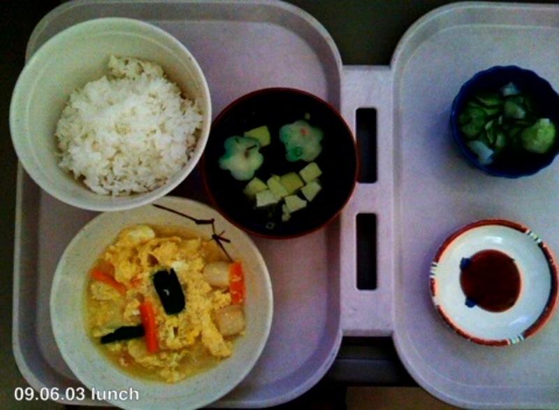●入院6日目 病院食とおぼんのなぞ_a0033733_1949214.jpg