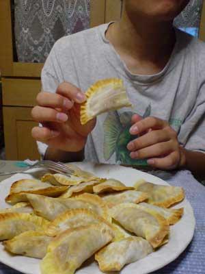 料理をする子の横で150点描く_b0010487_1185054.jpg
